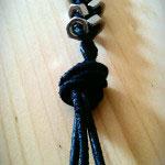 ... und einen Knoten binden