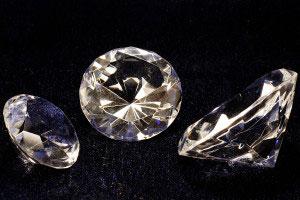 Diamanten mit Ritzhärte 10
