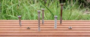Terrassenschrauben teilversenkt