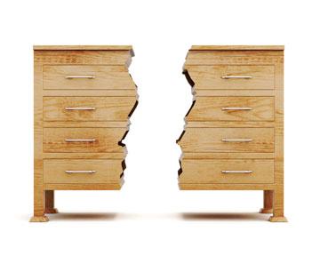 Verleimte Holzmöbel demontieren – diese Tricks funktionieren
