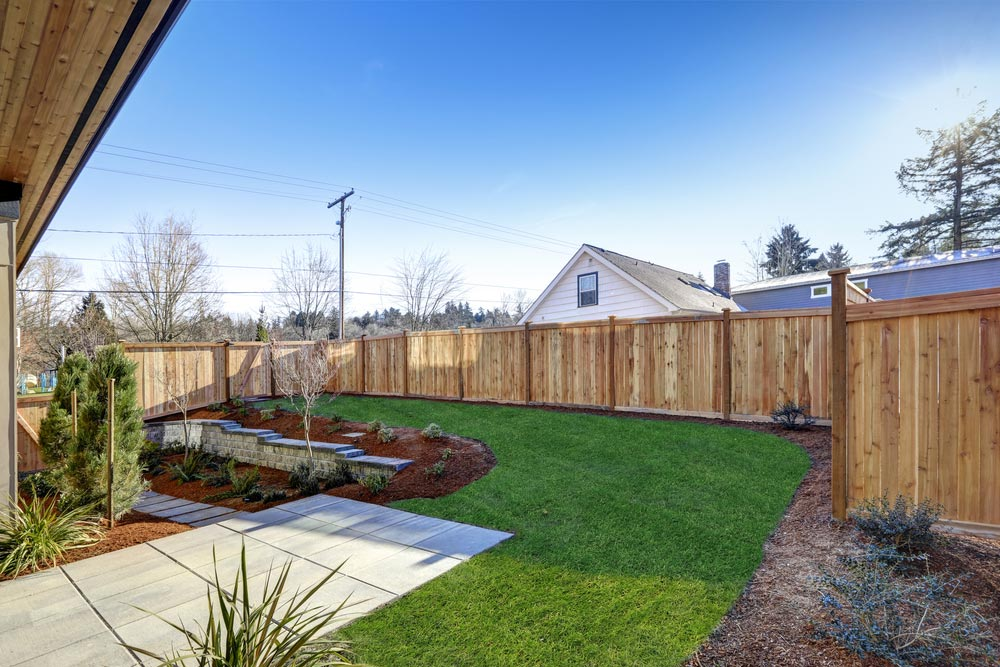 Anforderungen an Pfostenträger beim Zaunbau