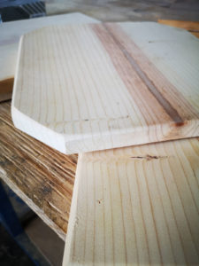 Holz zugeschnitten