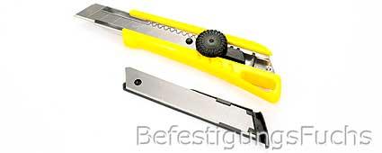 Cutter mit Klinge